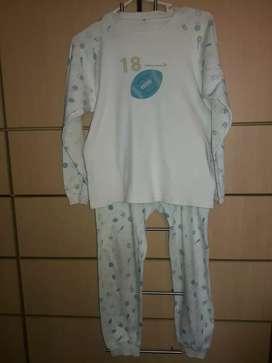 Pijama SYDNEY T10 usado niños 7 a 9 años mas BVD