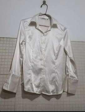 Blusa de vestir satinada para mujer
