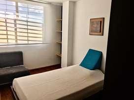 Habitación amoblada para estudiante o docente.
