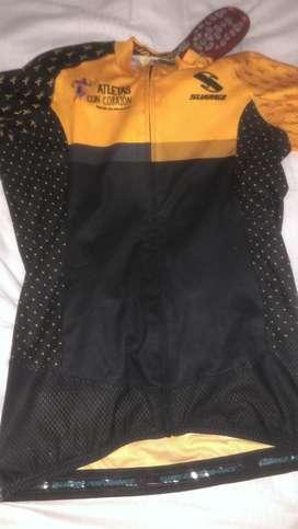 Camisas de coclismo usadas pero en buen estado casi nuevas