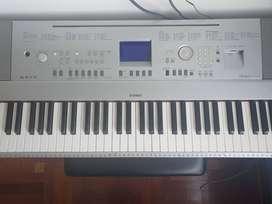 Piano Yamaha DGX-640 Portable Grand