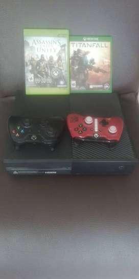 Xbox One 500gb, 2 controles y 3 juegos