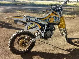 Vendo moto DR 350
