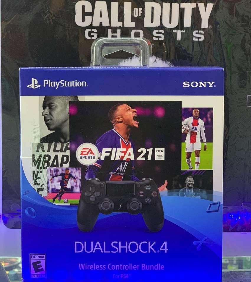 Control ps4 negro + Fifa 2021