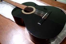 Guitarra Criolla Negra Nueva- Leer todo- Salta Capital (Permuto)
