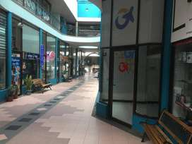Se renta local en centro comercial pasarela