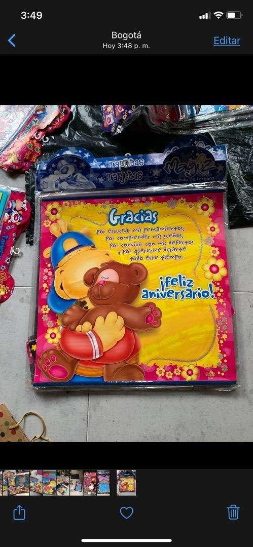 Bolsas de regalos y tarjetas marcas magus