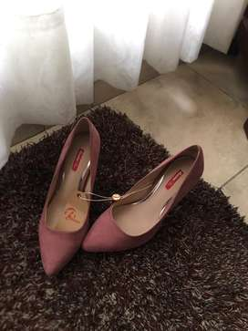 Zapatos bata nuevos