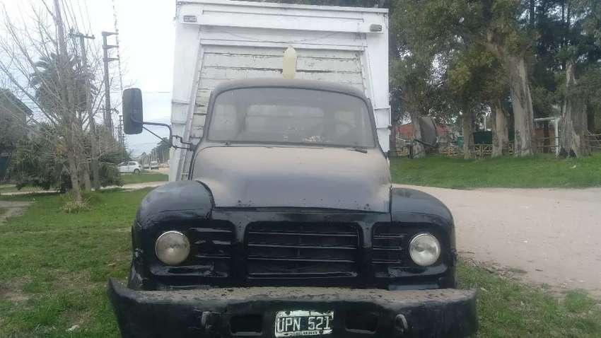 Vendo camión bedford en excelente estado 0