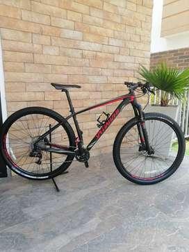 Vendo espectacular bicicleta Stump Jumper SPECIALIZED