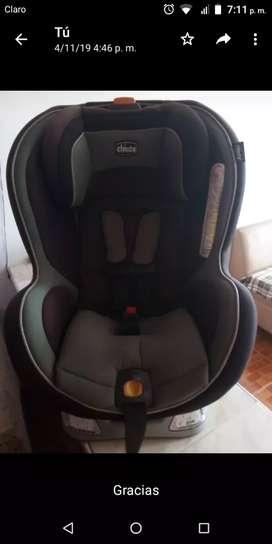 Se vende silla chicco de bebé para carro negociable