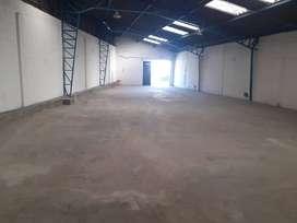 Pomasqui, Galpón, 746 m2, 3 oficinas, 9 baños, 8 parqueaderos