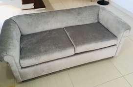 Muebles para Sala . Tapizados hace 3 meses con tela de Lujo .