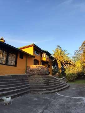 Hermosa casa estilo rustico en Alangasi