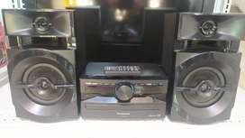 Mini componente Panasonic SA -  AKX100, Bluetooth, USB, Radio FM, CD MP3, 300W, Control, Excelente estado. 10/10.