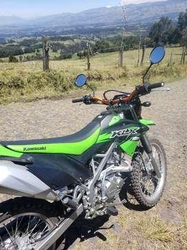 Vendo moto kawasaki 150L