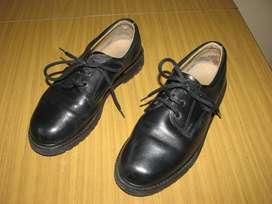 Vendo zapatos colegial marca Marcel.