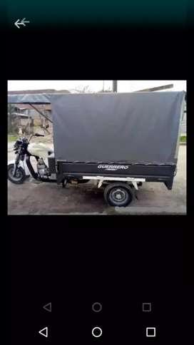 Fletes,Mudanzas,sacó bolsas de escobros en Motocarro