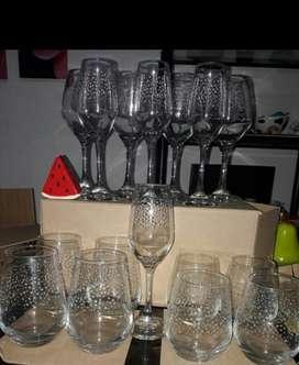 Se Venden Copas Y Vasos de Cristal