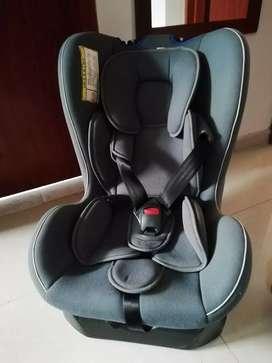 Silla para carro bebe - 4 Posiciones - 18 kg en perfecto estado