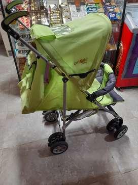 Se venden coches usados para bebés,  en excelente estado