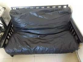 Futon cama de 2 cuerpos precio negociable