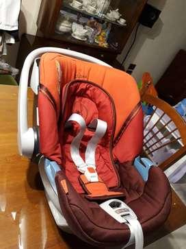 Huevito butaca auto, marca Cybex Aton, excelente calidad para la seguridad de tu bebé