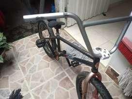 Bicicleta BMX para salto