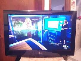 TV LG 32 PULGADAS IMAGEN FULL CON SOPORTE DE PARED