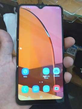 Samsung A20 s. Dual sim. Libre. Sin detalles.