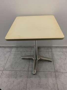 Mesas con base de Marmol
