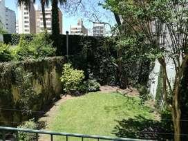Casa excelente construcción. Gran jardín.