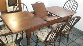 Mesa extensible y sillas windsor