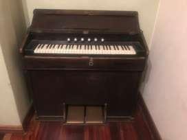 Órgano Piano antiguo