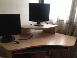 Mueble esquinero para la computadora