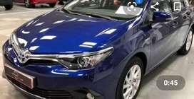 Toyota Auris semi nuevo