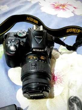 Cámara Nikon 5300 Semi Nueva Negociable