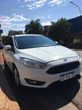 Ford focus blanco