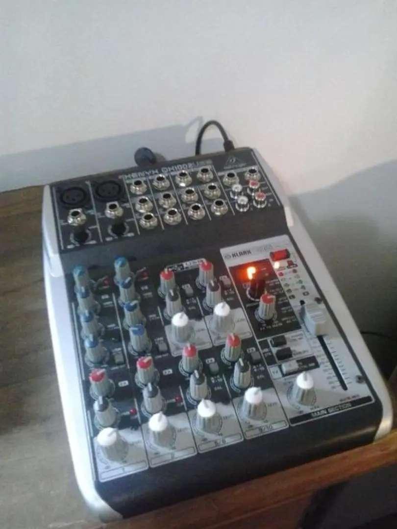 Interfaz de audio behringer Qx1002usb