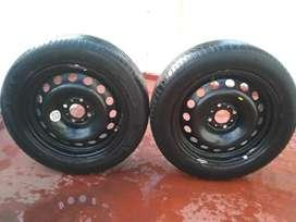 Vendo 2 ruedas 205055 r16 MICHELIN con llantas en buen estado, poco uso $12000 pesos