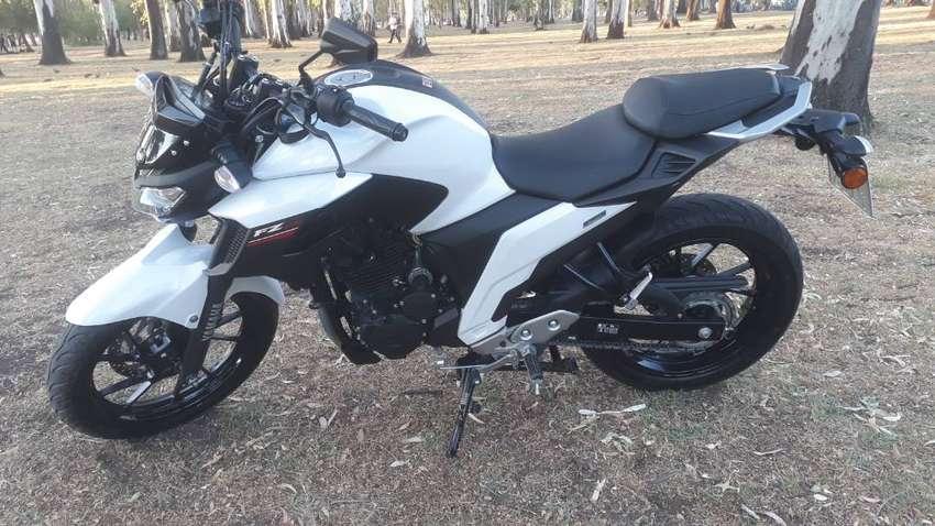 Yamaha 250 fz25 0
