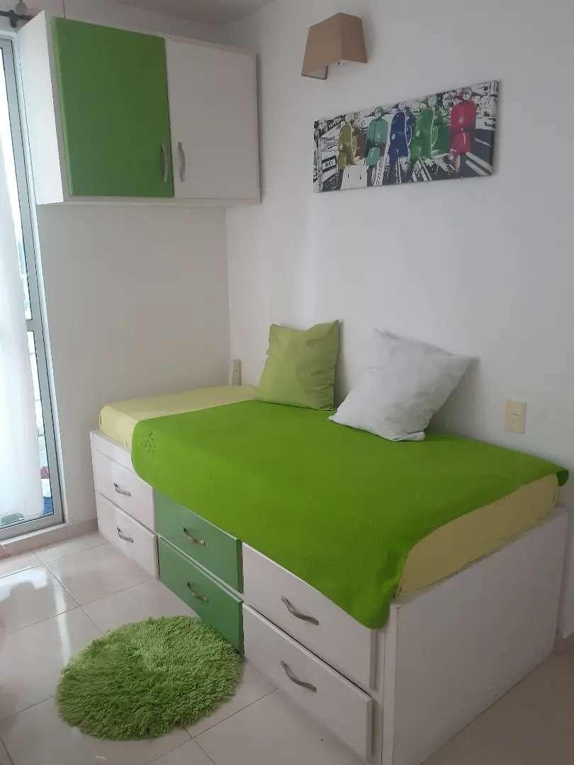Se vende mueble gabinete+ cama (con colchón)+ Repisa flotante+escritorio