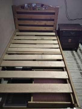Se vende cama sencilla con 3 gaveteros
