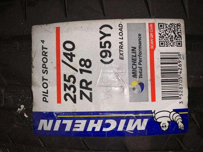 Llanta Michelin Pilot Sport 235/40/18 0