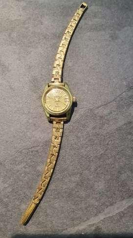 Vendo reloj Rado original dama enchapado en oro.