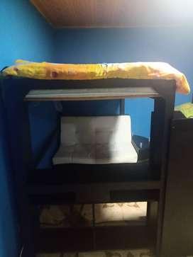 Se vende cama camarote incluído mini sala