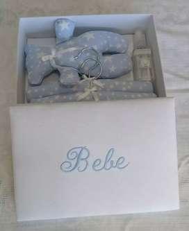 Caja con regalo para bebé