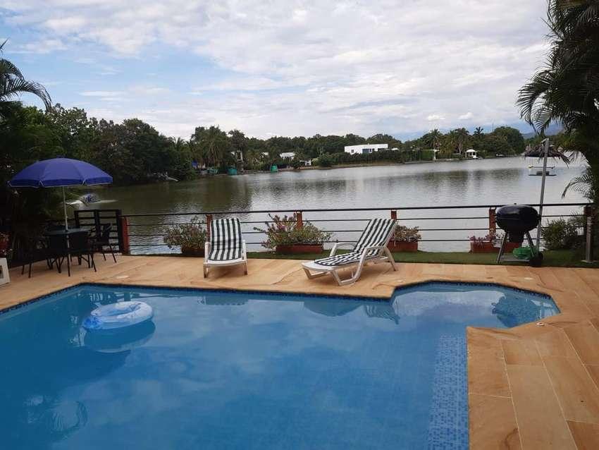 Alquiler casa en lagos del peñon