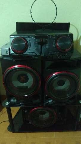 LG CJ88 Xboom potente sonido 2900 w rms