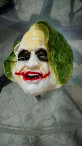 Se vende mascara del guason